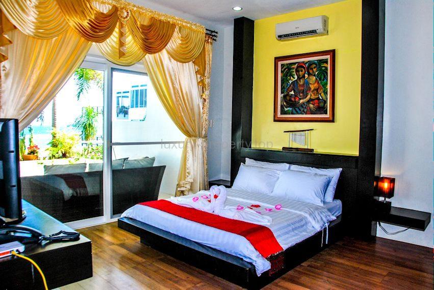 Cohiba Villas main Bedroom