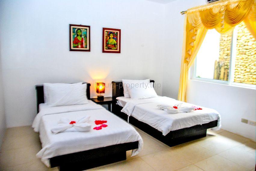 Cohiba villas bedroom 2 single beds