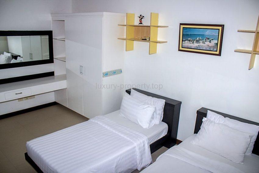 guest-bedroom1_35584614434_o