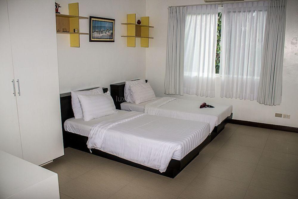 guest-bedroom_35584614664_o