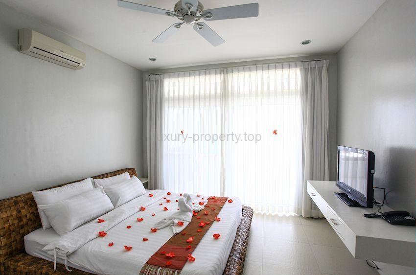 master-bedroom_36283985961_o