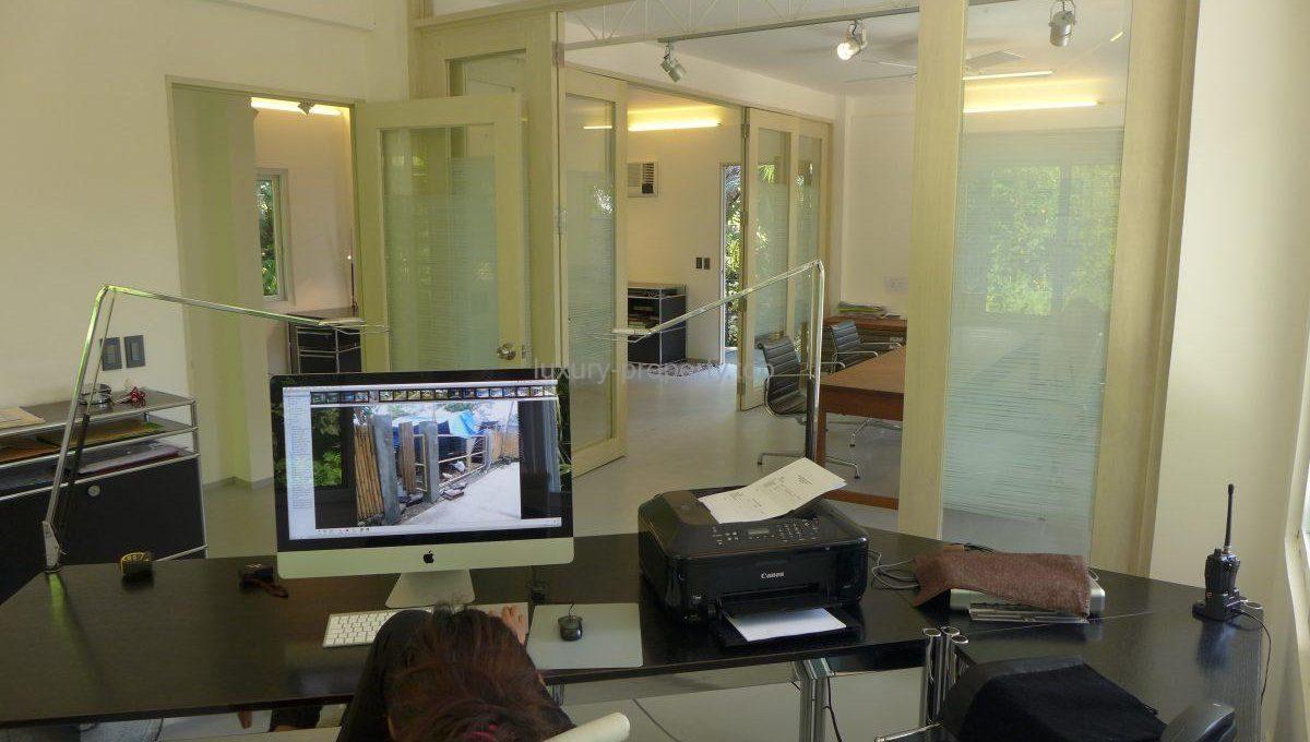office-5_36082669931_o