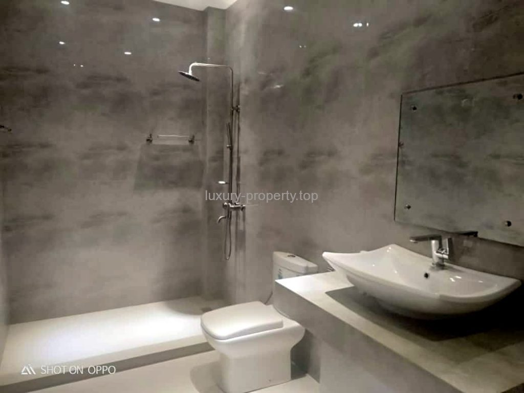 Huge Bathrooms Boracay New luxury 3 bed-apartment